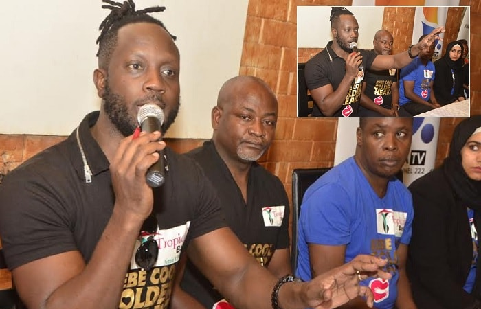 Bebe Cool talking to the press at Torino bar in Kololo where he handed over the shs60million
