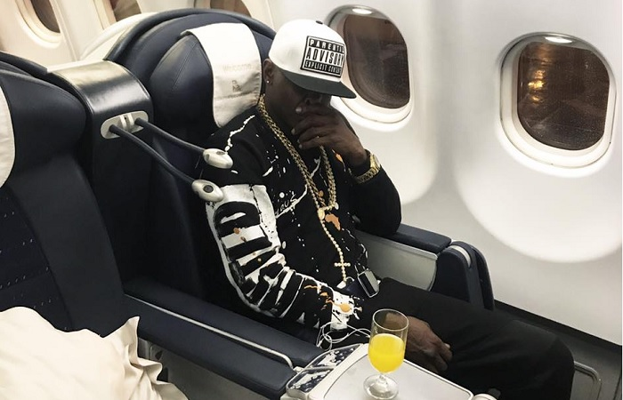 Chameleone on his way to Uganda after the Australia tour