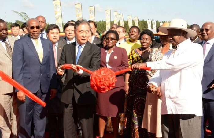 President Museveni and China's Deputy Premier H.E Wan Yan at Mpala road toll during the commissioning