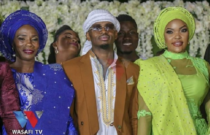 Sandra, Diamond Platnumz and Wema Sepetu at the 40 day celebration on King Salah