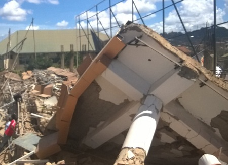 scored injured in collapsed building